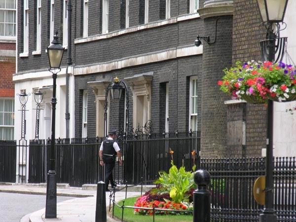 10 downing street historic london in june a travel guide for the independent traveler. Black Bedroom Furniture Sets. Home Design Ideas